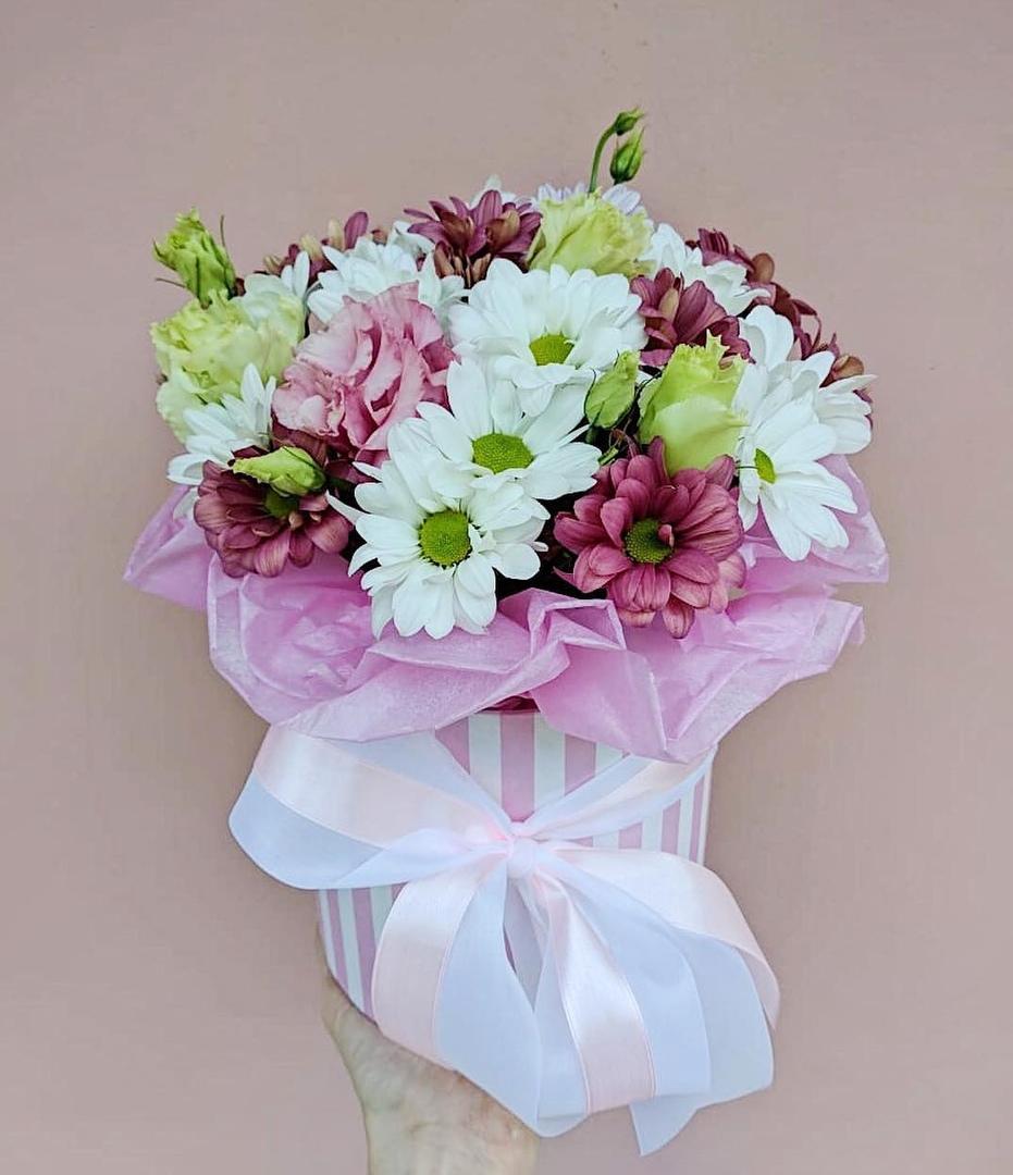 Купить цветы в красноярске недорого, сентября конфетами